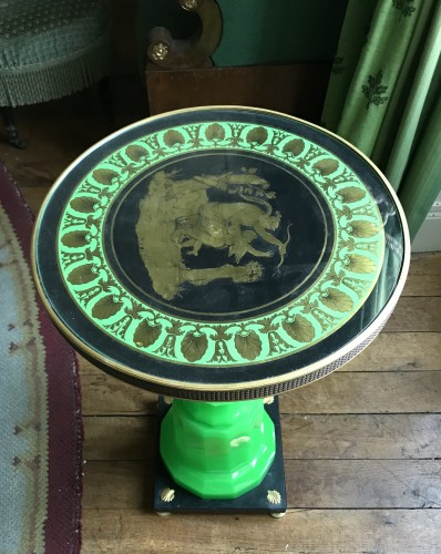Salon table top eglomise on Green opaline base «Venus and Amour» - Furniture Style Restauration - Charles X