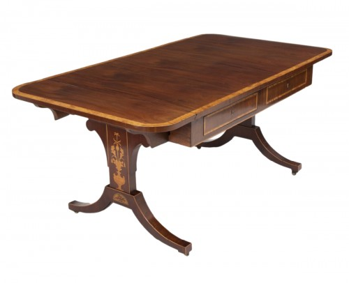 Neo-classical Writing table Damenark,1840  light mahogany