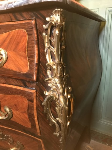Important Commod Louis XV Period  - Furniture Style Louis XV