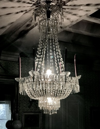 Large Swedish classical Art Deco Chandelier in white Crystal -
