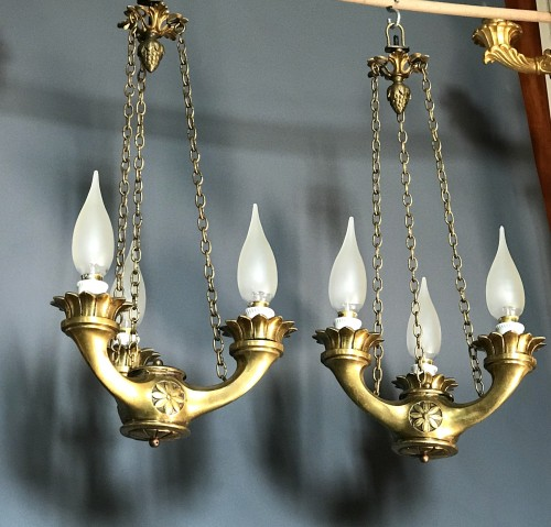Pair of small Chandeliers in Antic Oil lamps shape, Bronze