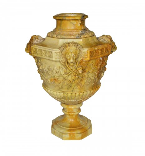 Marble Vase Attributed to Benedetto Boschetti
