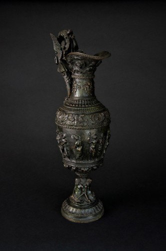 Decorative Objects  - Bronze ewer, late 19th century