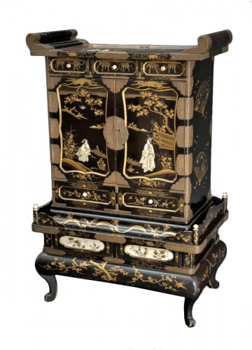 Japanese cabinet Meiji, late 19th century