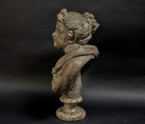 Sculpture  - 18th century Terracotta nymph bust