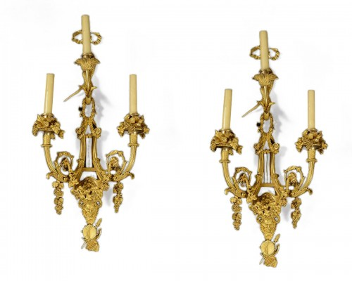Alfred Beurdeley  Pair of wall lights