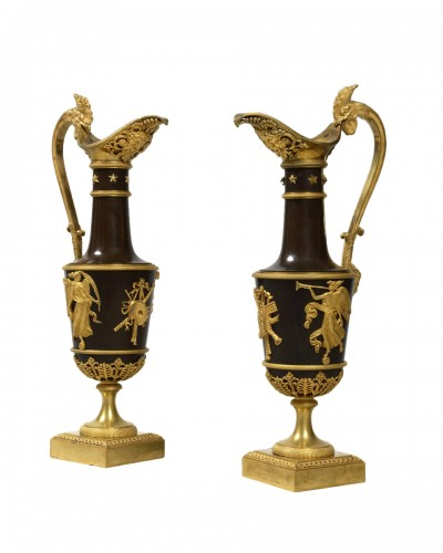 Pair of gilt bronze ewers, empire period, according to Claude Galle's model, by 1805.