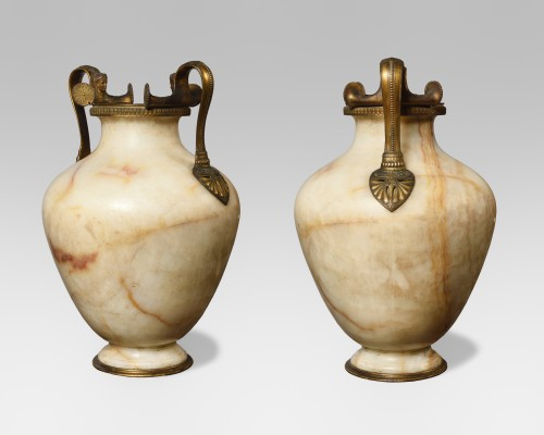 Important pair of neo-greek vases