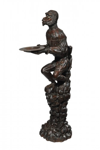 Venitian  wood figural dombwaiter