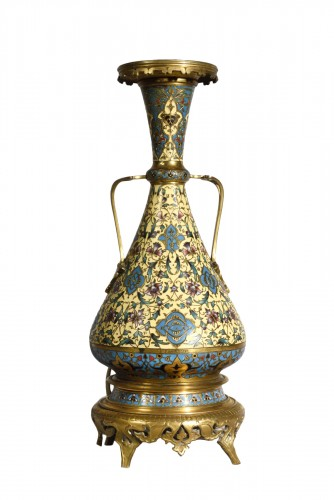 An ormulu and champleve enamel lamp - Maison Barbedienne