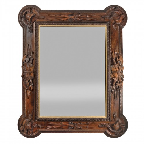 Pietro Giusti (1822-1878) - Walnut frame carved with military attributes