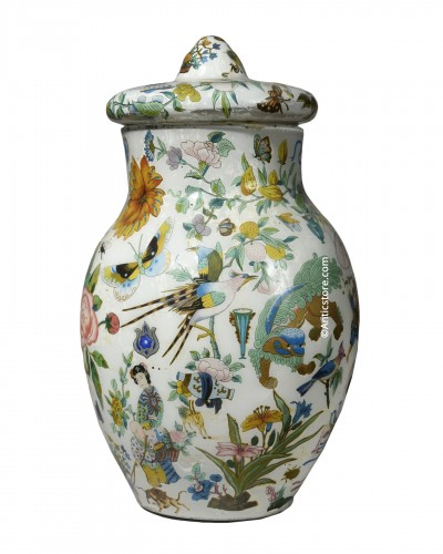 Covered vase with Chinese motifs,  glass fixed with engravings - early 19th