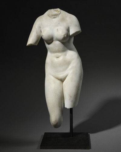 Torso of Venus inspired by the Medici Venus - neoclassical period - Sculpture Style