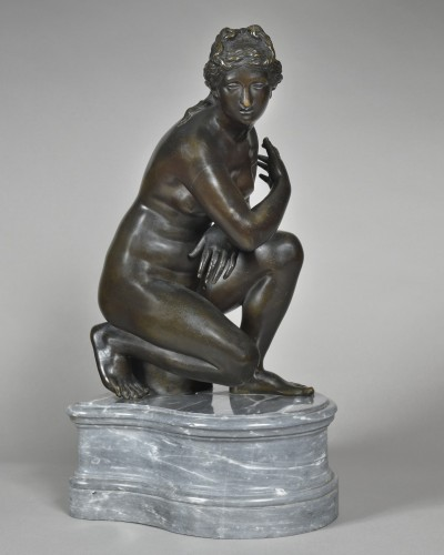 Bathing Aphrodite - neoclassical period - Sculpture Style