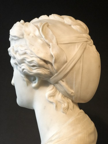 Marble bust representing the muse Urania - late 19th century   -