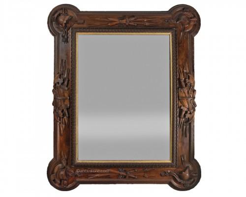 Pietro Giusti (1822-1878) - Walnut frame carved with military attributes