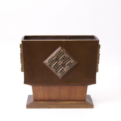 20th century - Art-déco Bronze and Wood Vase - Paul Bonifas
