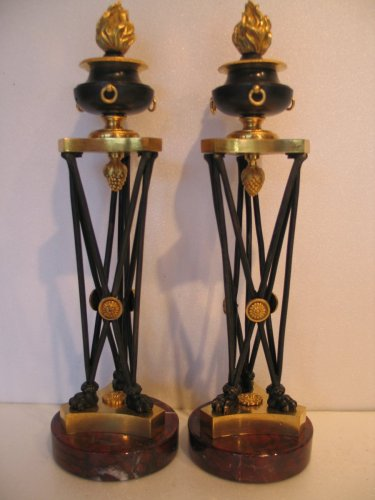 Antiquités - Pair of bronze candlesticks in Athenian circa 1800