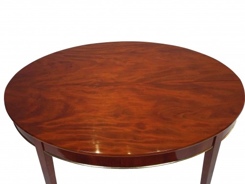 Furniture  - Oval mahogany dining table, Directoire / Consulate period