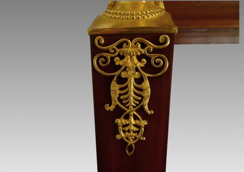 Antiquités - French console of the Consulat.period in mahogany and gilded bronzes