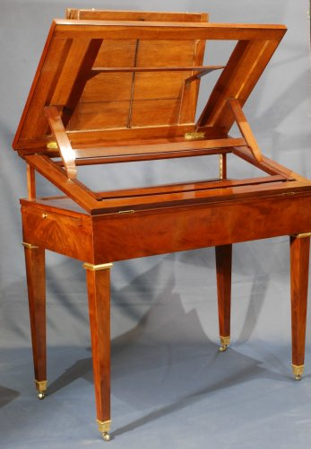 Directoire - A Directoire mahogany architects table