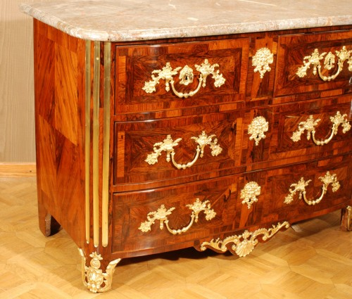 A french Louis XIV kingwood ormolu mounted commode - Furniture Style Louis XIV
