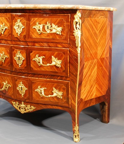 A French Louis XV ormolu mounted commode by Détroulleau - Furniture Style Louis XV