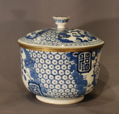 Asian Art & Antiques  - A bleu de Hué jar and cover 19th century