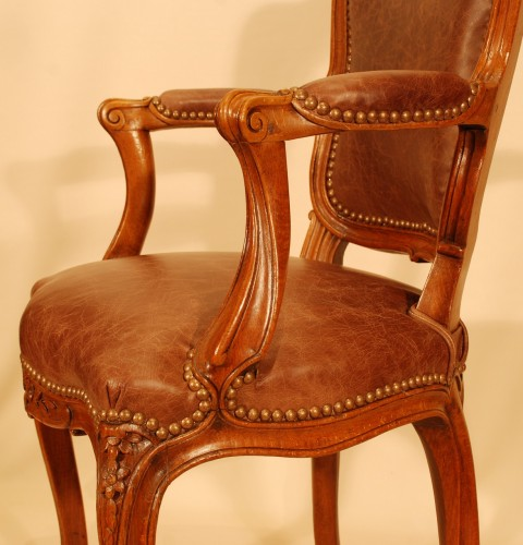 Antiquités - A Louis XV set of four chairs