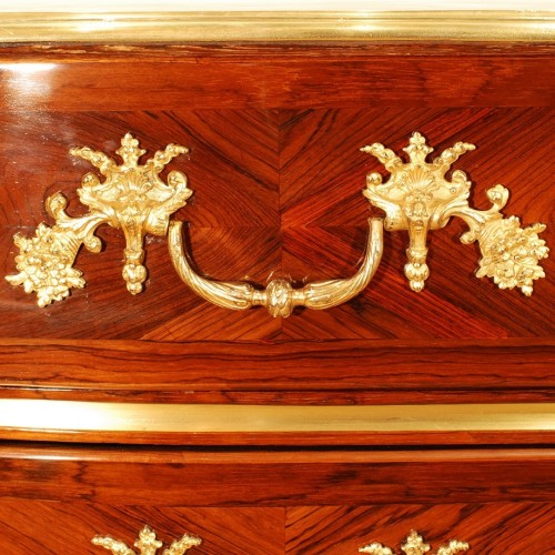 Louis XIV - A french Louis XIV Commode in rosewood veneer