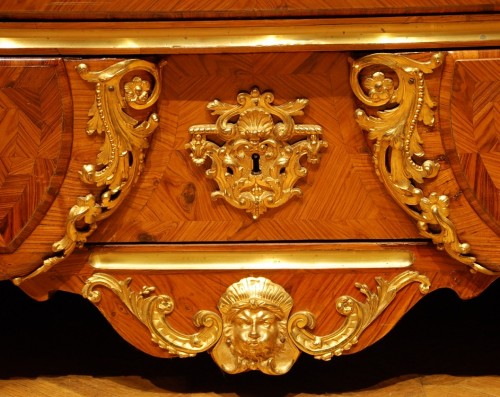 Antiquités - A French Kingwood and ormolu Louis XV commode
