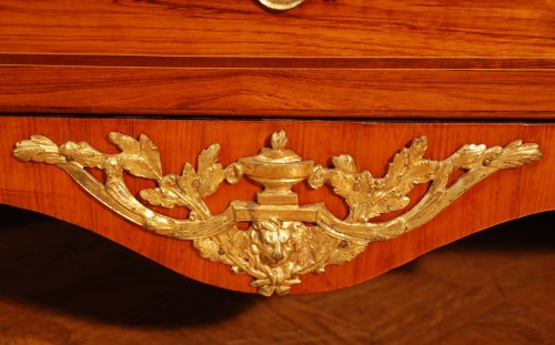18th century - A french Transition tulipwood and ormolu commode