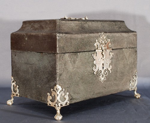 An english box early 18th century  - Curiosities Style Louis XIV