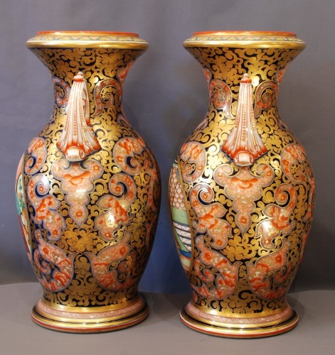Pair of Bayeux pocelain vases 19th century -