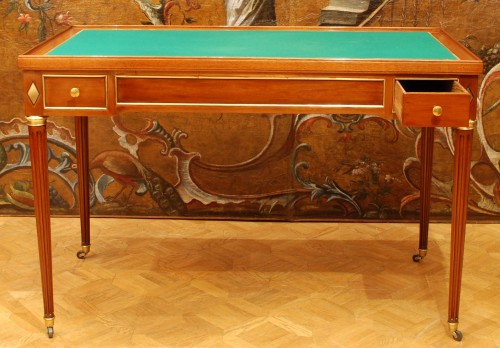 a french mahogany Louis XVI game table - Furniture Style Louis XVI