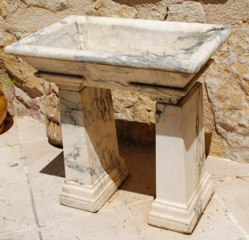 Neo-Classical marble basin Italy 18th century - Architectural & Garden Style Directoire