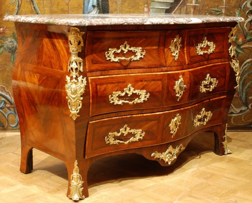 A french Louis XV commode stamped Lebesgue - Furniture Style Louis XV