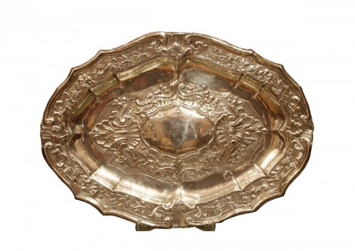Large 18th century silver dish