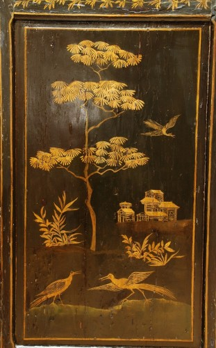 Antiquités - A lacquer wardrobe Provence 18th century