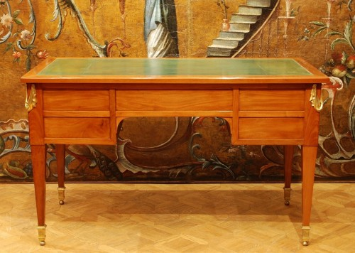 A french Louis XVI mahogany Bureau-plat 18th century -