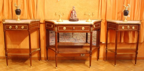 Two Louis XVI consoles forming a pair - Furniture Style Louis XVI