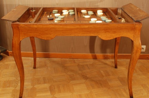 Antiquités - A french Louis XV game table