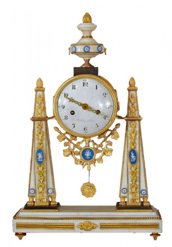 A French Louis XVI clock