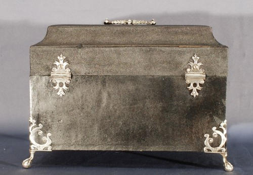 Decorative Objects  - A englih shagreen silver mounted tea box 18th century
