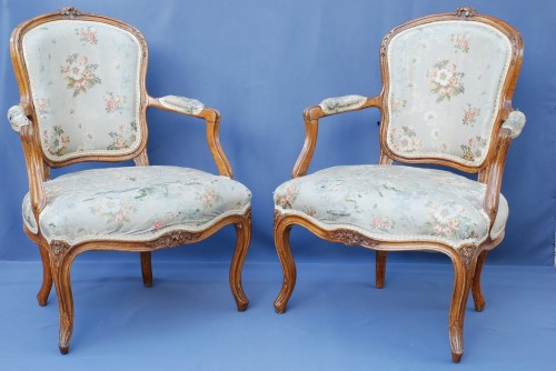 Seating  - Set of six Louis XV period cabriolets
