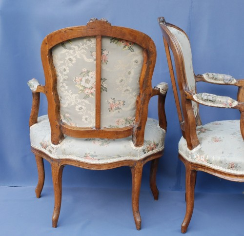 Set of six Louis XV period cabriolets -