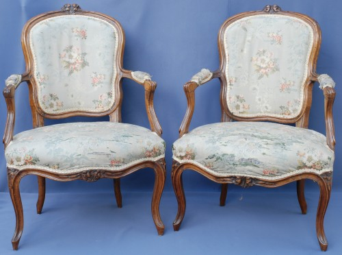 18th century - Set of six Louis XV period cabriolets