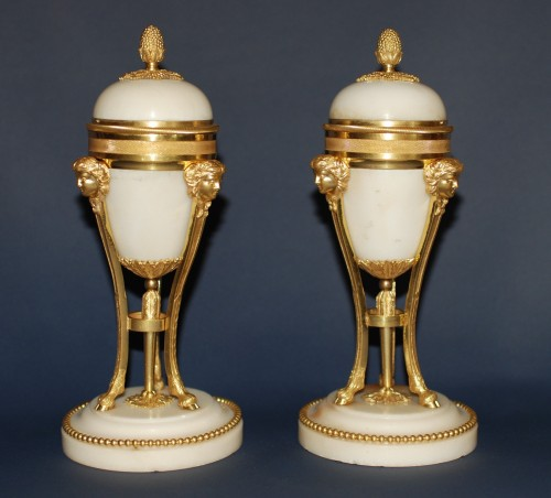 Decorative Objects  - A french Louis XVI style pair of cassolettes