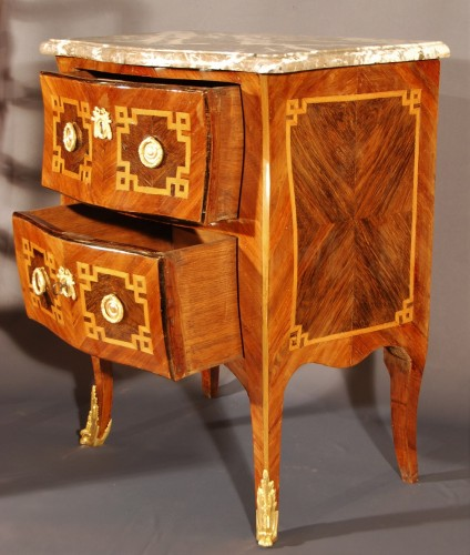 A small french Transition chest of drawers 18th century -
