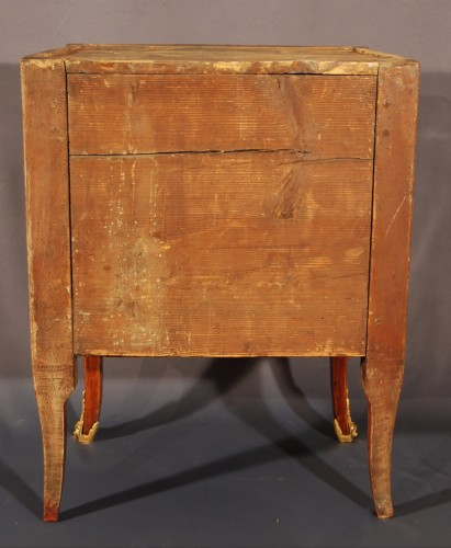 Antiquités - A small french Transition chest of drawers 18th century